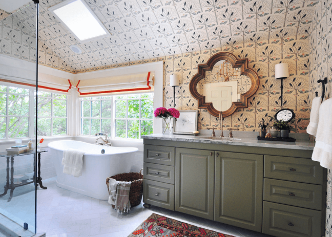 patterned-walls-with-simple-floor-and-colored-vanity